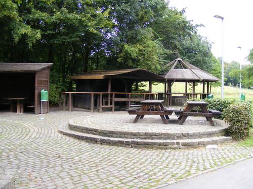 Die Grillhütte Würselen Stadtgarten [vor dem Brand]